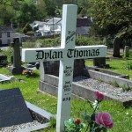 dylanthomas_grave